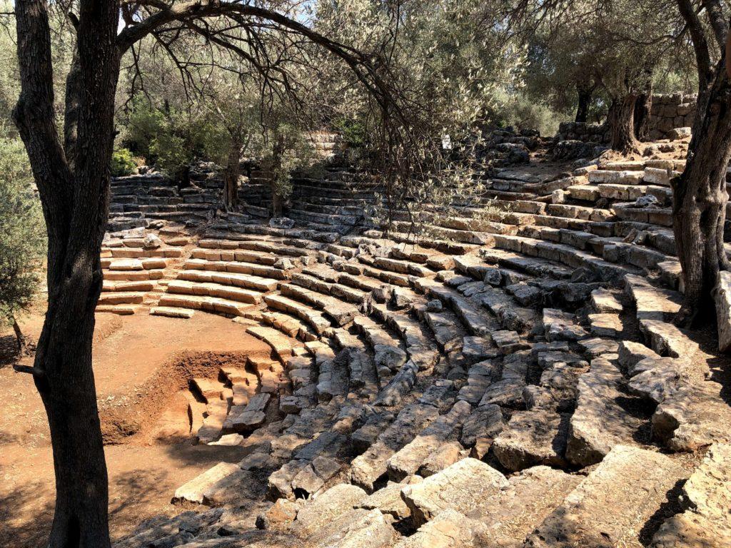 Kedrai antik kenti tiyatro